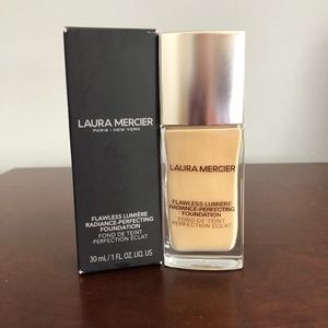 LAURA MERCIER Flawless Lumiere Foundation - Ivory